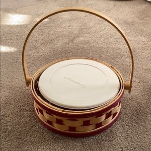 Longaberger retired 2006 small pie basket